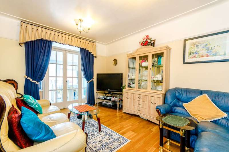 3 Bedrooms House for sale in Montpelier Rise, North Wembley, HA9