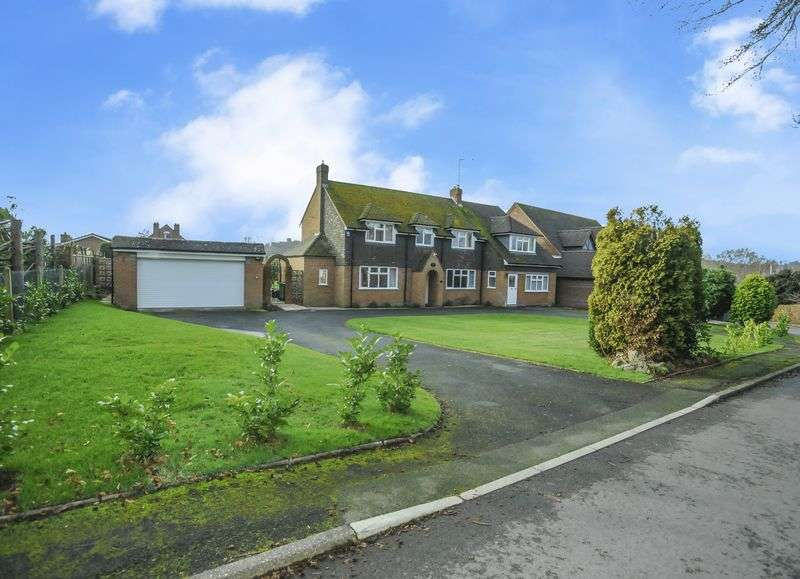 5 Bedrooms Detached House for sale in 'Beech Tree Cottage' Beech Close, Dunsley, Kinver