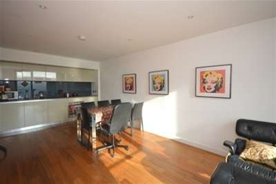 2 Bedrooms Flat for rent in St Pauls, City Lofts, S1 2LL