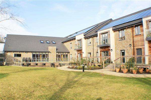 2 Bedrooms Apartment Flat for sale in Lynwood House, Lanchester