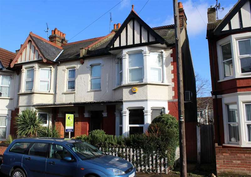3 Bedrooms End Of Terrace House for sale in Westcliff on Sea