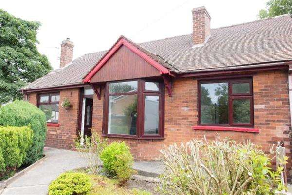 3 Bedrooms Detached Bungalow for sale in Wensleydale Road, Leigh