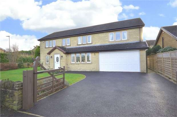5 Bedrooms Detached House for sale in Moor Lane, Highburton, HUDDERSFIELD, West Yorkshire
