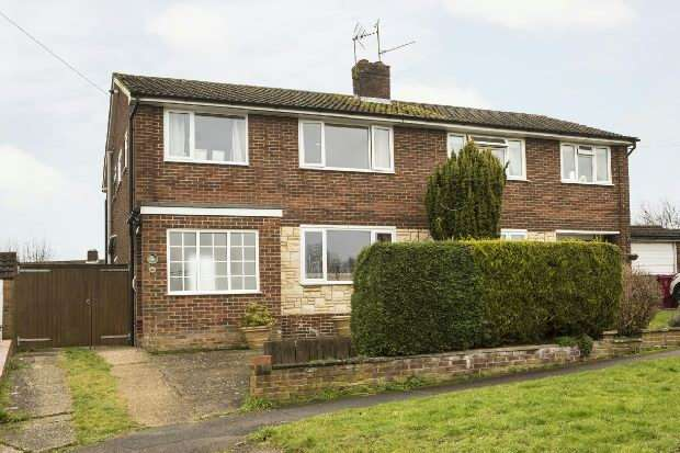 3 Bedrooms Semi Detached House for sale in Elmstone Drive, Tilehurst, Reading,