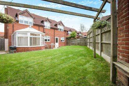 5 Bedrooms Detached House for sale in Halvergate, Norwich, Norfolk
