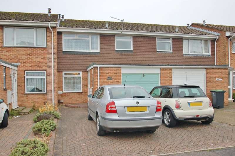 3 Bedrooms Terraced House for sale in Chestnut Walk, Gosport