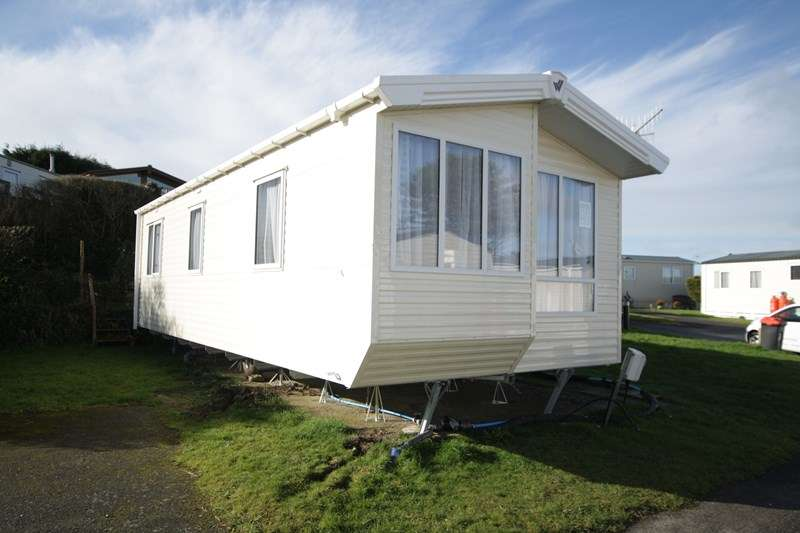 2 Bedrooms Mobile Home for sale in Popular Caravan Park