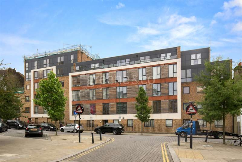 2 Bedrooms Flat for sale in Kyle House, 38 Priory Park Road, London, NW6