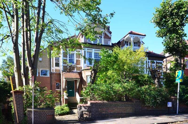 2 Bedrooms Maisonette Flat for sale in Stanhope Road, Highgate, N6