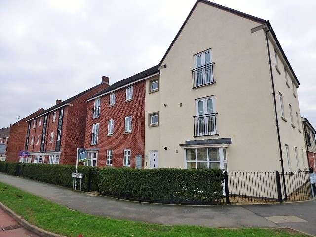 2 Bedrooms Flat for sale in Pinehurst Walk, Great Sankey, Warrington