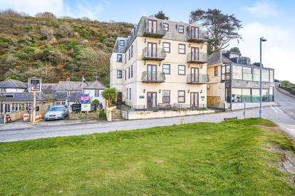 2 Bedrooms Flat for sale in Seaton, Torpoint, Cornwall