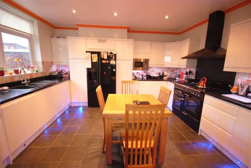 7 Bedrooms Detached House for sale in Earl Street, Swinley, Wigan.