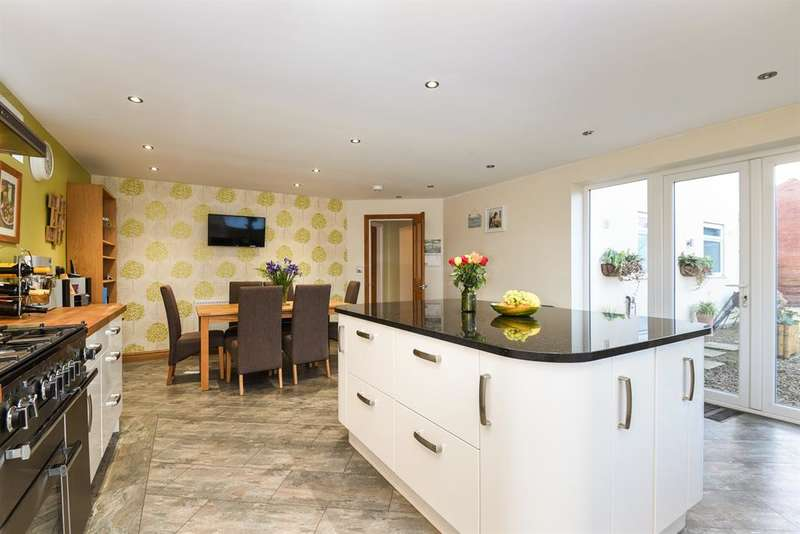 4 Bedrooms Detached Bungalow for sale in West Lilling, York, YO60 6RP