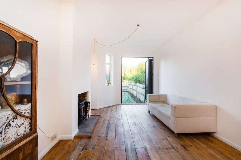2 Bedrooms Maisonette Flat for sale in Dunstans Road, East Dulwich, SE22