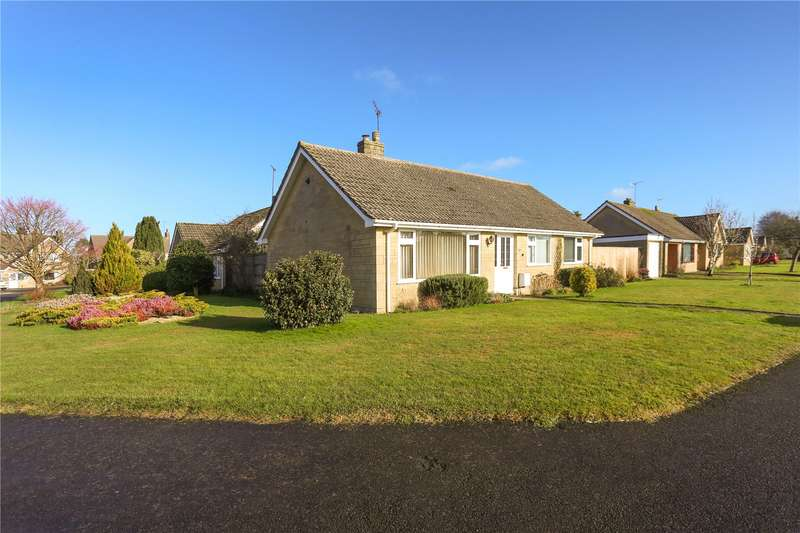 3 Bedrooms Detached Bungalow for sale in Besbury Park, Minchinhampton, Stroud, Gloucestershire, GL6