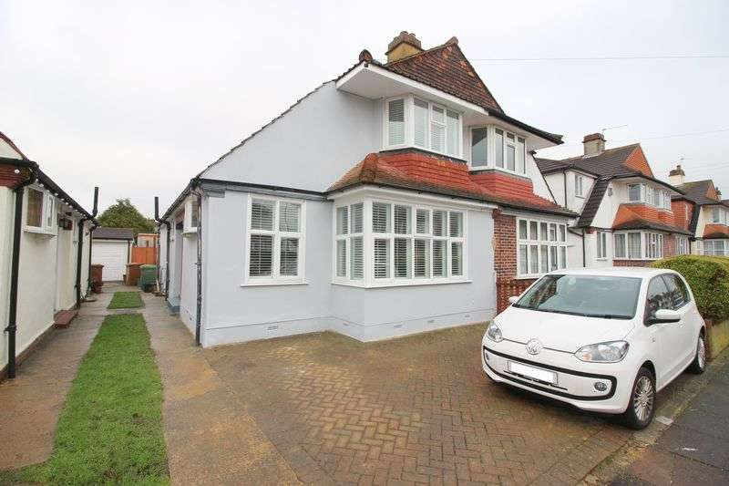 3 Bedrooms House for sale in Crombie Road, Sidcup