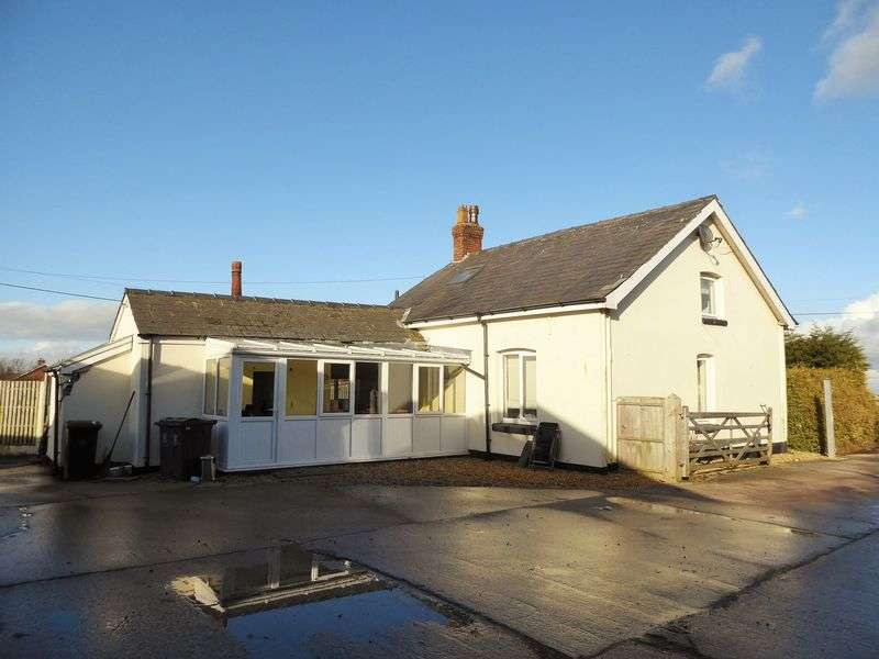 3 Bedrooms Detached Bungalow for sale in Georges Lane, Banks, Southport