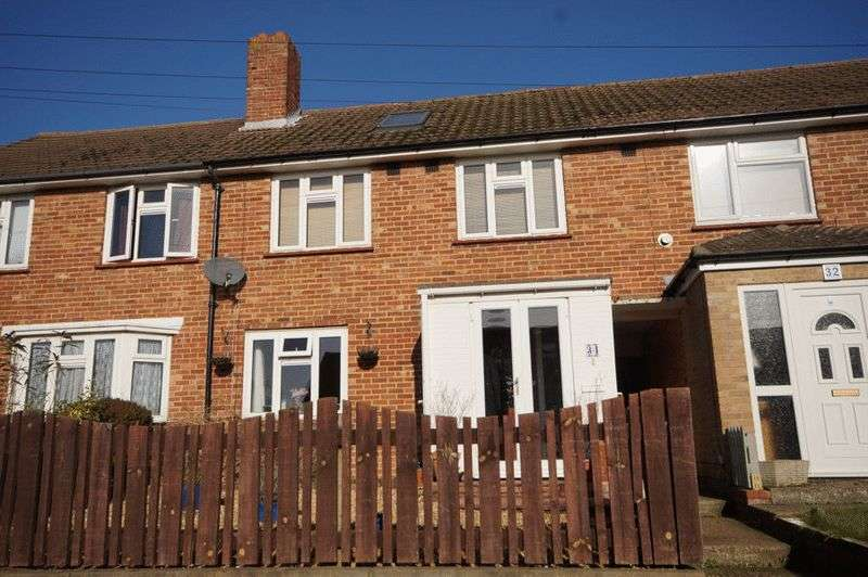 4 Bedrooms Terraced House for sale in Chaucer Avenue, Portsmouth PO6