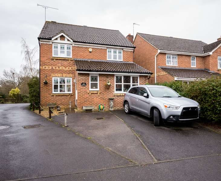 3 Bedrooms Detached House for sale in browning close, whiteley, Hampshire, PO15