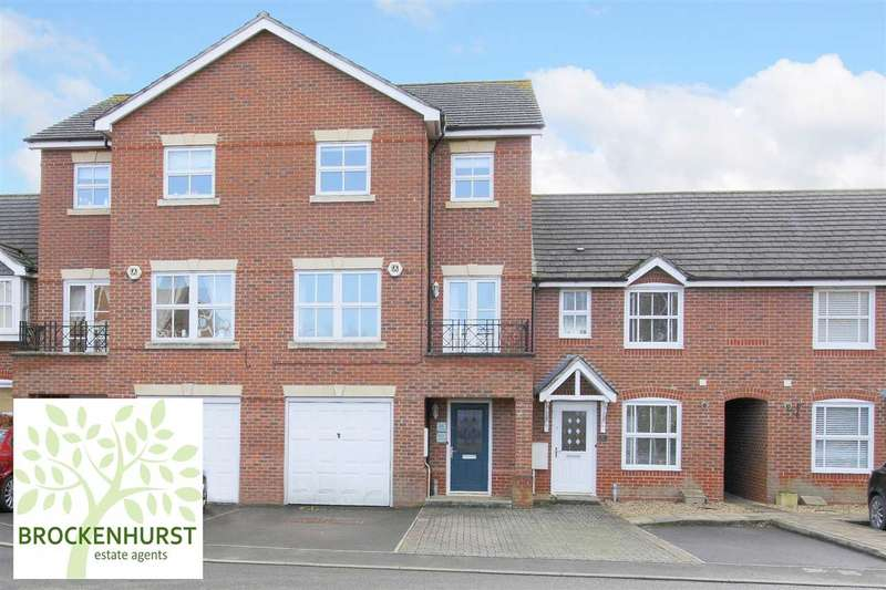 3 Bedrooms Terraced House for sale in Topaz Drive, Andover