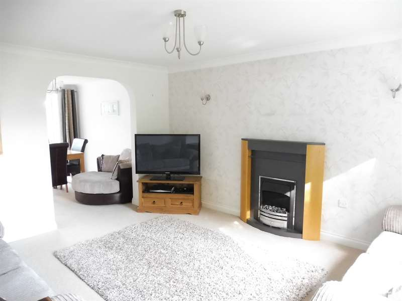 4 Bedrooms Detached House for sale in Cwm Felin, Blackmill, Bridgend