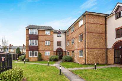 1 Bedroom Apartment Flat for sale in Higham Station Avenue, Chingford, London