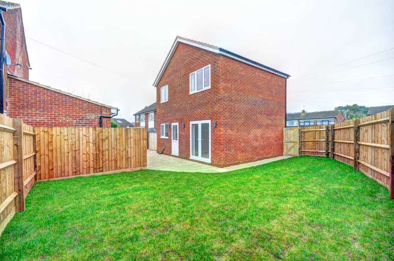 3 Bedrooms Detached House for sale in Beech Road, Chinnor