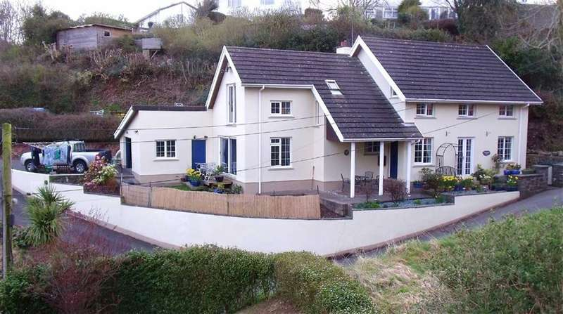 4 Bedrooms Property for sale in Beach Hill, Milford Haven