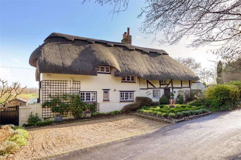 3 Bedrooms Detached House for sale in Hedgers Hill, Walberton, West Sussex, BN18