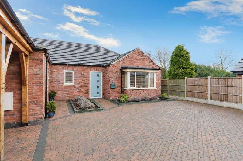 2 Bedrooms Semi Detached Bungalow for sale in 24b Rookery Lane, Lincoln