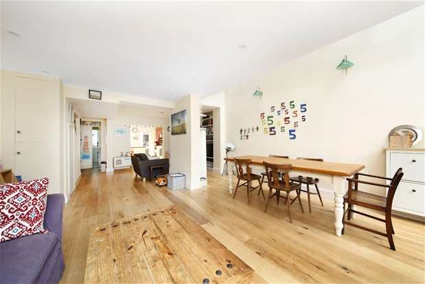 3 Bedrooms Flat for sale in Railton Road, Herne Hill