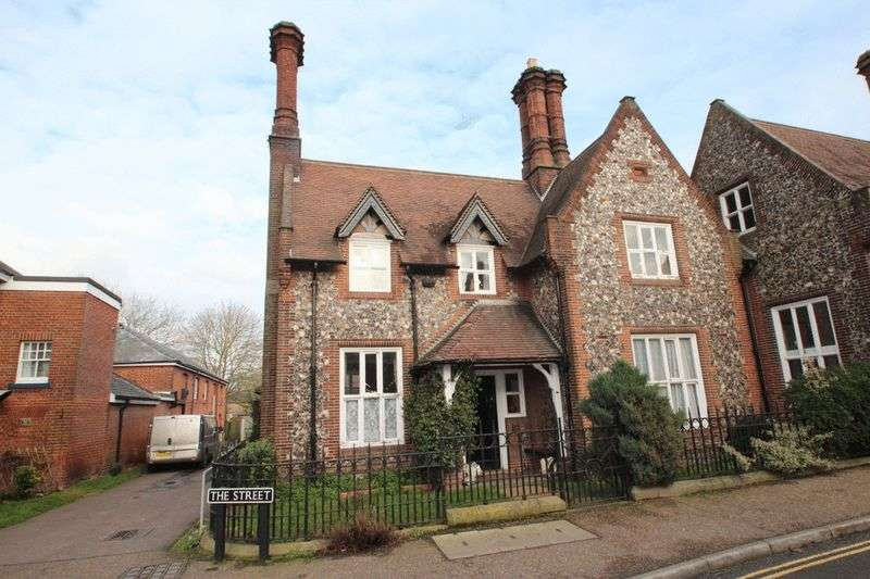 3 Bedrooms Detached House for sale in The Street, Norwich