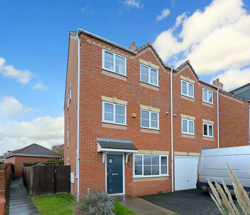 3 Bedrooms Terraced House for sale in Davenham Walk, Newdale, TELFORD, Shropshire.