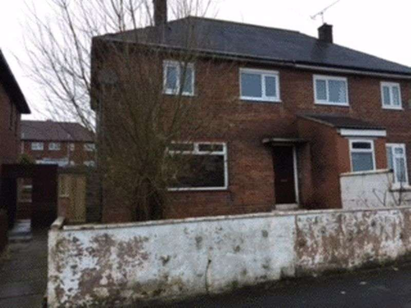 3 Bedrooms Semi Detached House for sale in Grayshott Road, Stoke-On-Trent