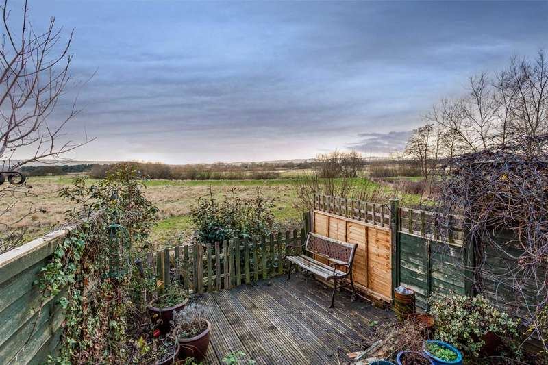 3 Bedrooms Terraced House for sale in Carpenters Meadow, Pulborough