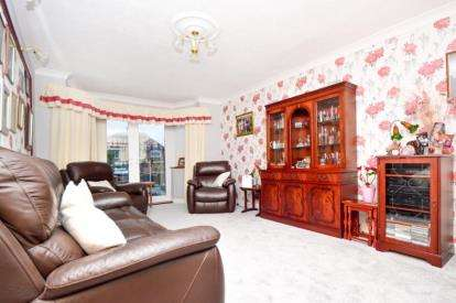 3 Bedrooms Semi Detached House for sale in Fox Lane, Sheffield, South Yorkshire