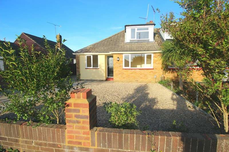 3 Bedrooms Semi Detached Bungalow for sale in Sunnymead Drive, Waterlooville