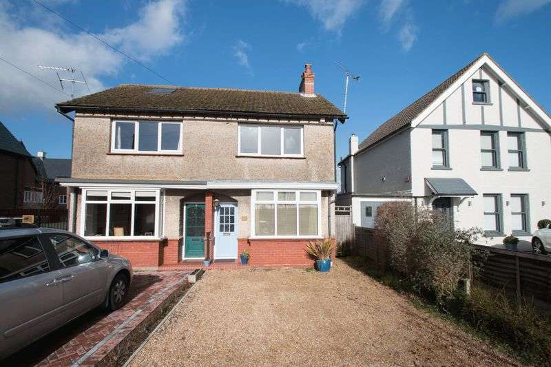 2 Bedrooms Semi Detached House for sale in Wellington Road, Chichester