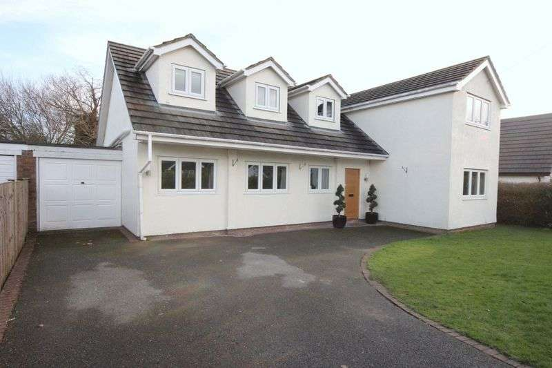 4 Bedrooms Detached House for sale in The Spinney, Gayton, Wirral