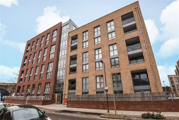 1 Bedroom Flat for sale in Dower Court, Silwood Street, London