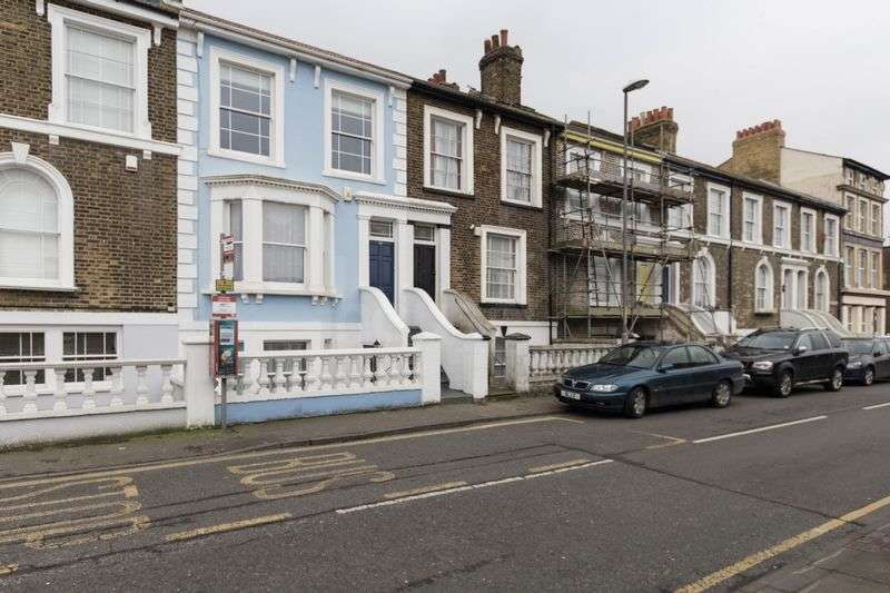 5 Bedrooms Terraced House for sale in Marine Parade, Sheerness