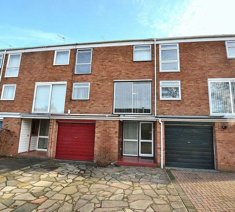 3 Bedrooms Terraced House for sale in Hayesford Park Drive, Bromley