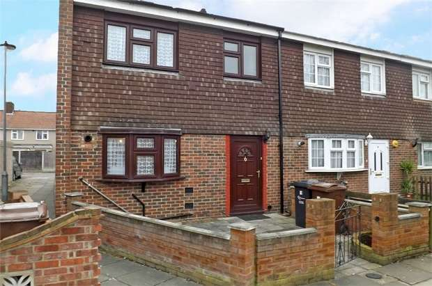 3 Bedrooms Semi Detached House for sale in Claridge Road, Dagenham, Essex