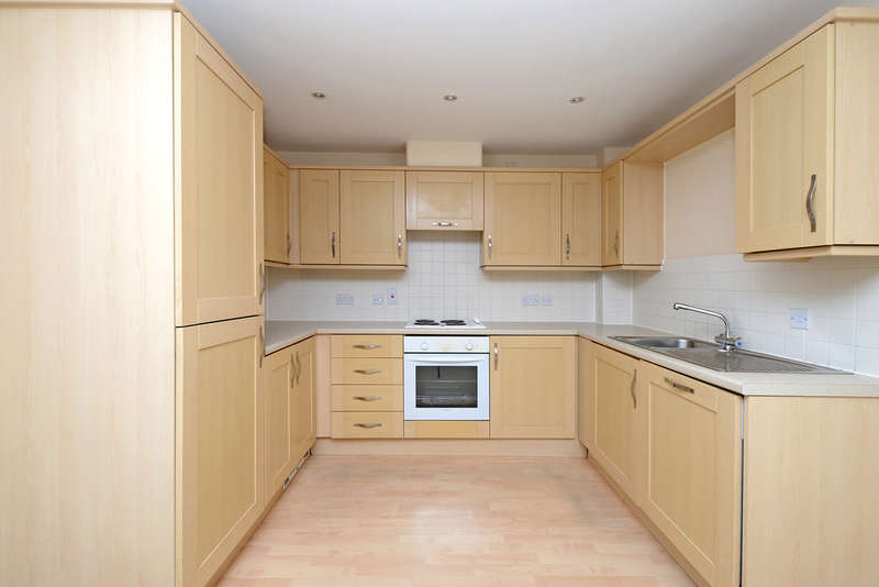 2 Bedrooms Ground Flat for sale in Swan Court, Toad Lane
