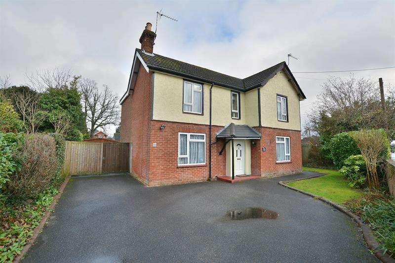 4 Bedrooms Detached House for sale in Pinehurst Road, Ferndown