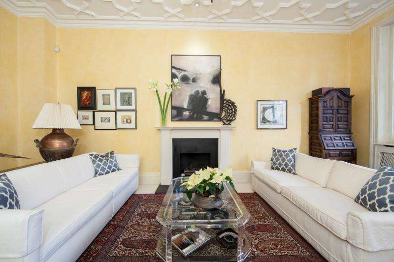 3 Bedrooms Maisonette Flat for sale in Lower Sloane Street, Chelsea, London, SW1W