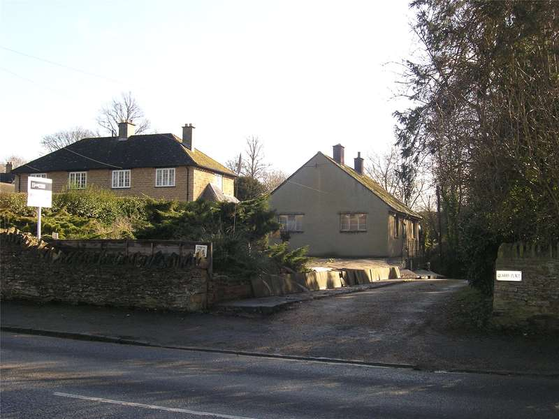2 Bedrooms Detached Bungalow for sale in Grove Road, Bladon, Woodstock, Oxfordshire, OX20