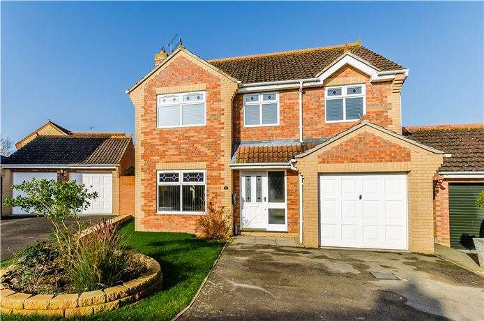 4 Bedrooms Detached House for sale in Henley Way, Ely