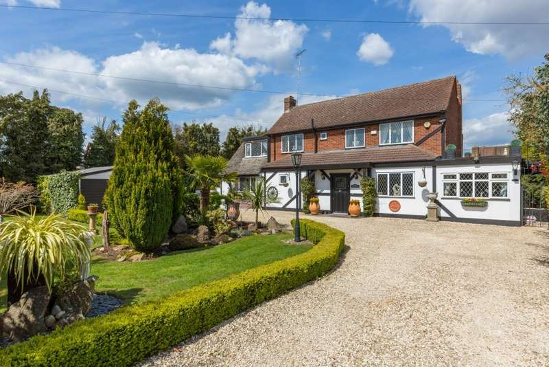 3 Bedrooms Detached House for sale in Redhill, Denham, UB9
