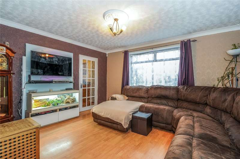 3 Bedrooms Semi Detached House for sale in Little Oxhey Lane, Watford, Hertfordshire, WD19